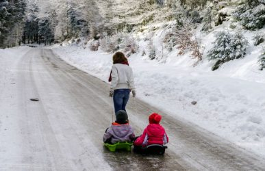 Snow sleds for kids